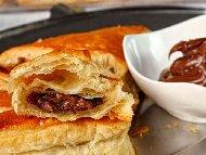 Рецепта Домашни лесни вкусни и бързи мини кроасани от бутер тесто с течен шоколад